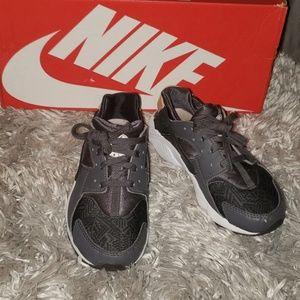 Nike Hurache Run SE
